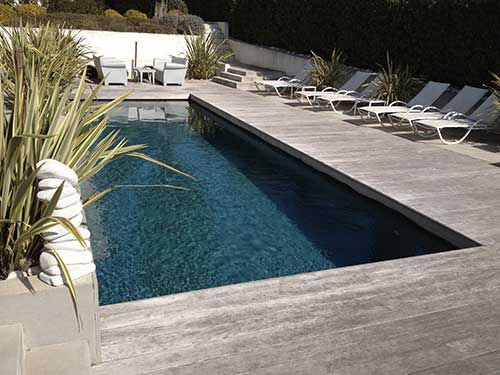 La french riviera for Piscine coque polyester grise